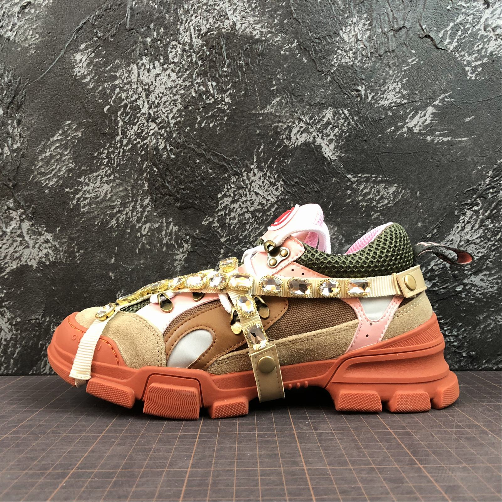 Женские кроссовки Gucci Flashtrek sneakers with removable crystals Orange