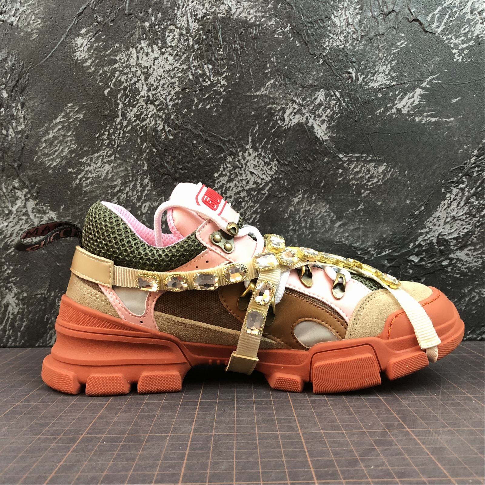 Женские кроссовки Gucci Flashtrek sneakers with removable crystals Orange - фото №2