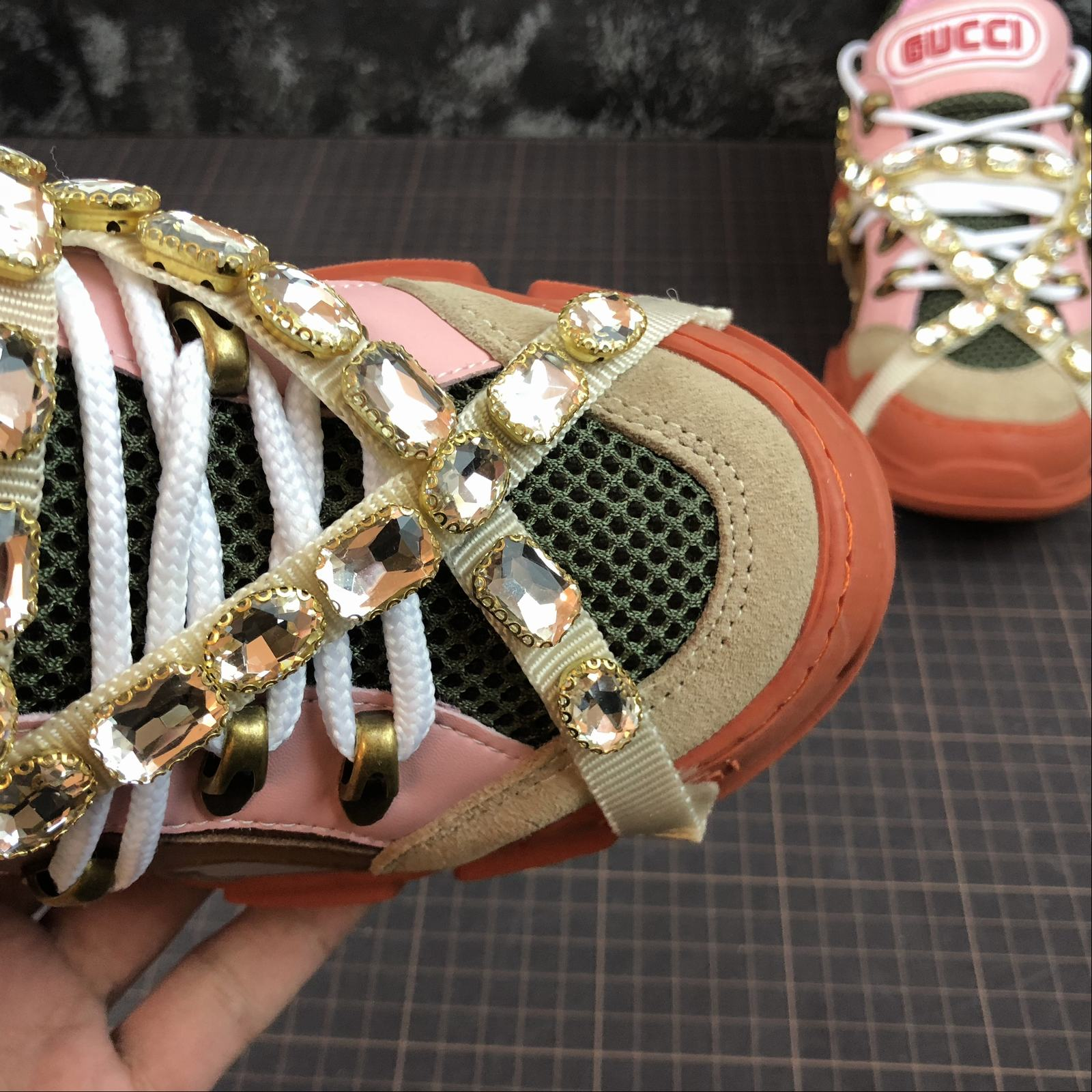 Женские кроссовки Gucci Flashtrek sneakers with removable crystals Orange - фото №6