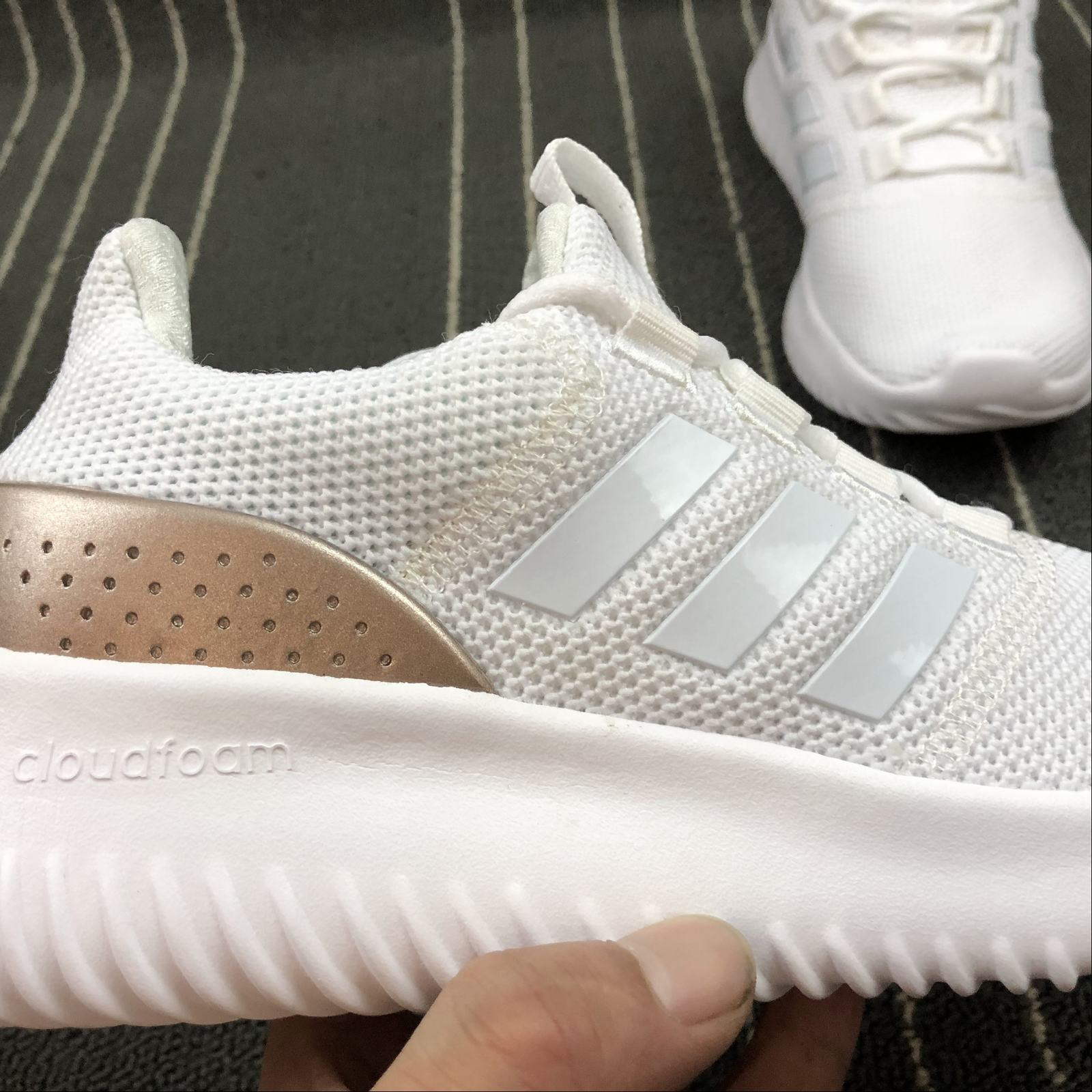Женские кроссовки Adidas NEO Cloudfoam Ultimate Women White,Gold,White - фото №9