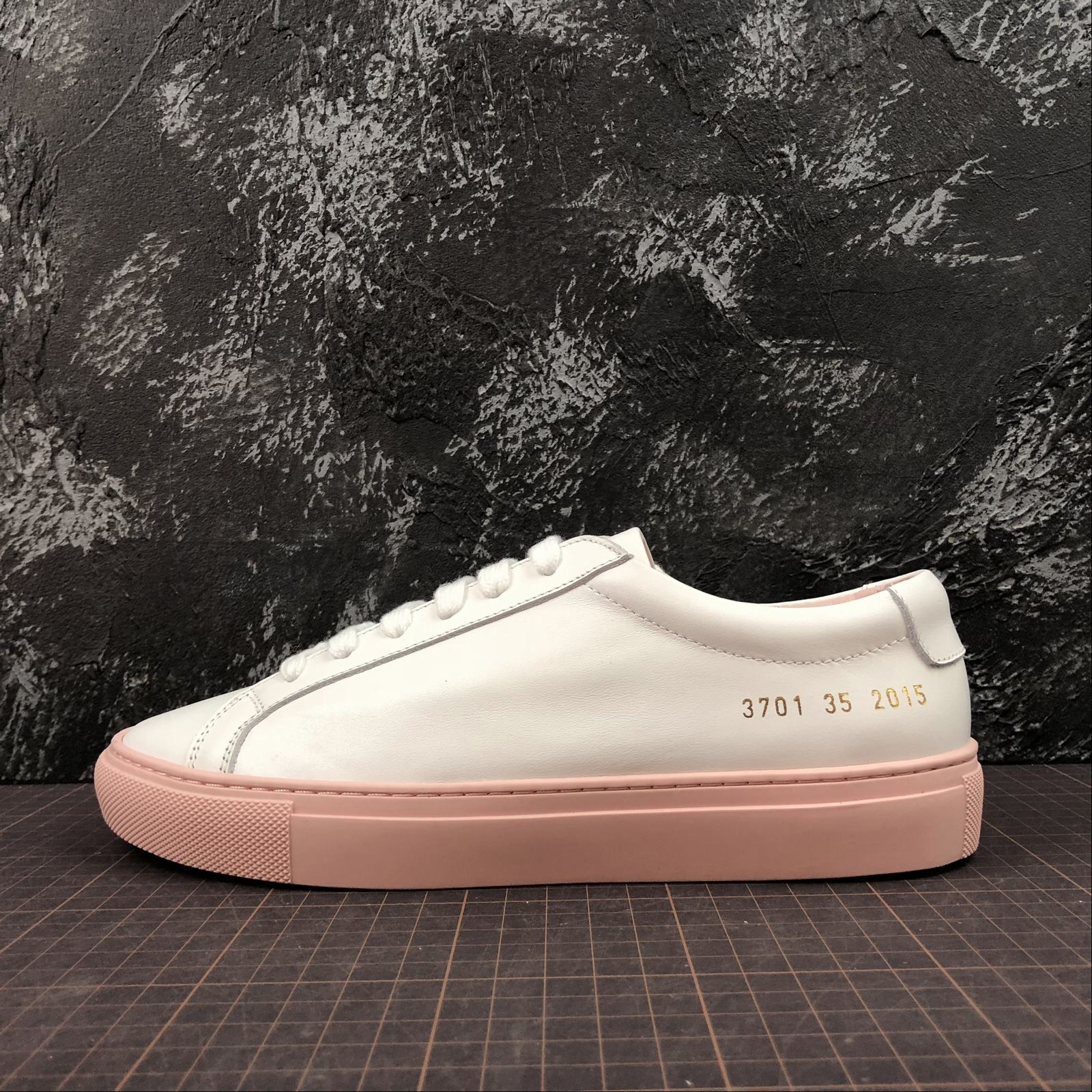 Женские кеды  Common Projects Achilles Low-Top Women White,Pink