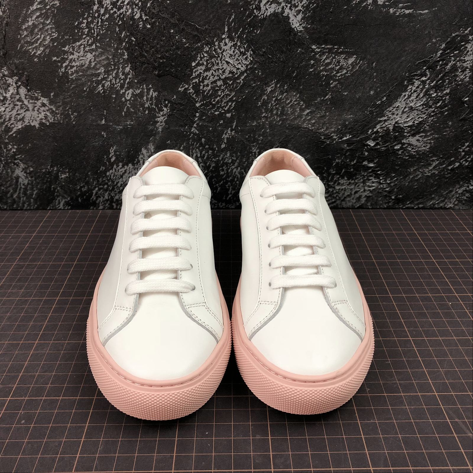 Женские кеды  Common Projects Achilles Low-Top Women White,Pink - фото №3