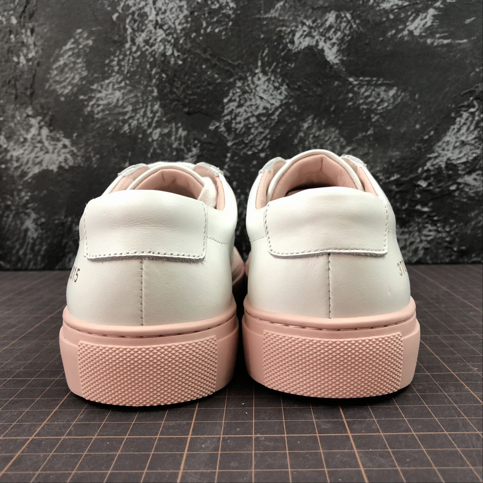 Женские кеды  Common Projects Achilles Low-Top Women White,Pink - фото №4