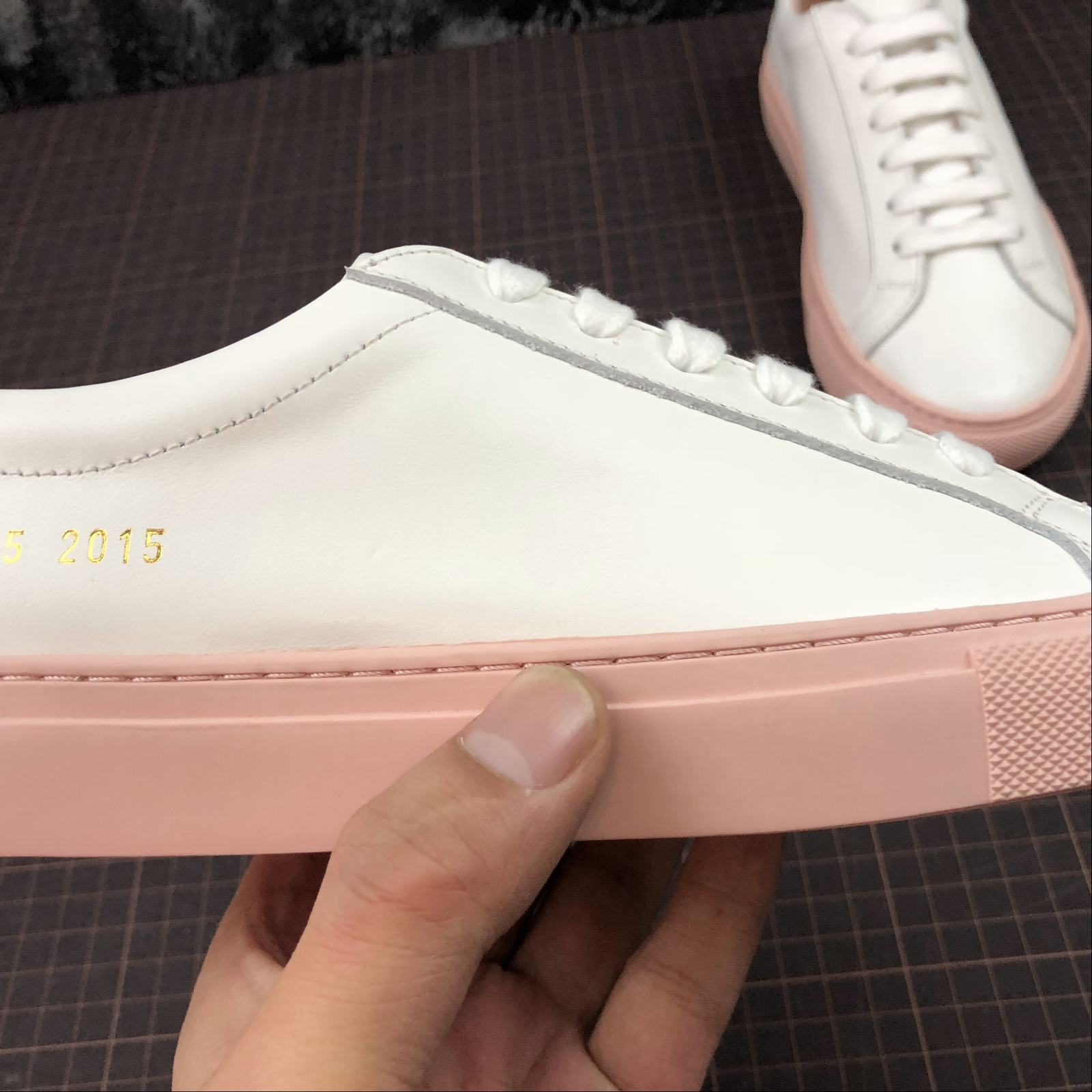 Женские кеды  Common Projects Achilles Low-Top Women White,Pink - фото №9
